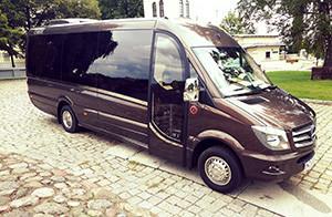 wynajem autokaru, transport osób Warszawa